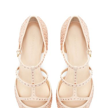 <p>We'd feel just peachy with these twinkling treats on our tootsies. Who says you need heels to look good?</p>
