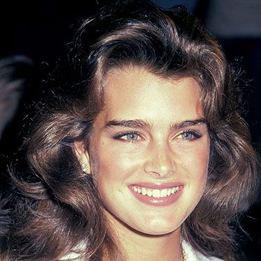"""<p>Brooke's bushy brows were the talk of the time during the peak of her career, at a time when slightly more shaped brows were the look du jour. Slightly straighter and closer to the brow bone, this is great for fairer hair and requires decidedly less preening.</p><p><a href=""""http://www.cosmopolitan.co.uk/beauty-hair/news/trends/celebrity-beauty/pixie-crop-celebrity-icons"""" target=""""_blank"""">TOP TEN COOL CELEBRITY CROPS </a></p><p><a href=""""http://www.cosmopolitan.co.uk/beauty-hair/news/styles/celebrity/cosmo-hairstyle-of-the-day"""" target=""""_blank"""">COSMO'S HAIRSTYLE OF THE DAY</a></p><p><a href=""""http://www.cosmopolitan.co.uk/beauty-hair/news/styles/celebrity/"""" target=""""_blank"""">MORE CELEBRITY HAIR IDEAS</a></p>"""