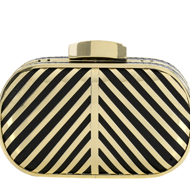 <p>Nod to the 20s and unleash your inner Flapper Girl with this decadent boxy clutch that looks super luxe.</p>