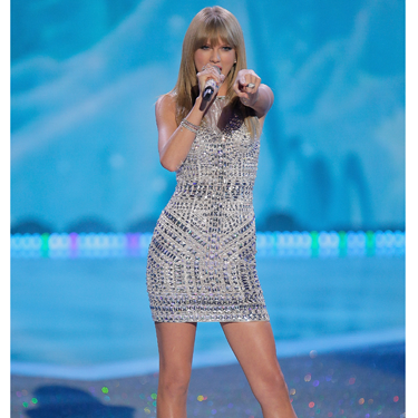 """<p>If in doubt when posing, channel Posh Spice circa 1997 - that's what we always say and seems Taylor Swift agrees *points and pouts*</p><p><a href=""""http://www.cosmopolitan.co.uk/fashion/celebrity/best-dressed-victorias-secret-fashion-show"""" target=""""_blank"""">Best dressed at the Victoria's Secret Fashion Show </a></p><p><a href=""""http://www.cosmopolitan.co.uk/fashion/news/cara-delevingne-victorias-secret-show-model"""" target=""""_blank"""">Cara Delevingne: From gurner to sexy Victoria's Secret model </a></p><p><a href=""""http://www.cosmopolitan.co.uk/fashion/news/"""" target=""""_blank"""">See the latest fashion and style news</a></p>"""
