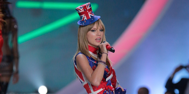 """<p>Taylor Swift reworks Geri Halliwell's Union Jack dress for 2013, complete with matching shoe boots and a tiny little top hat, worn at a jaunty angle.</p> <p><a href=""""http://www.cosmopolitan.co.uk/fashion/celebrity/best-dressed-victorias-secret-fashion-show"""" target=""""_blank"""">Best dressed at the Victoria's Secret Fashion Show </a></p> <p><a href=""""http://www.cosmopolitan.co.uk/fashion/news/cara-delevingne-victorias-secret-show-model"""" target=""""_blank"""">Cara Delevingne: From gurner to sexy Victoria's Secret model </a></p> <p><a href=""""http://www.cosmopolitan.co.uk/fashion/news/"""" target=""""_blank"""">See the latest fashion and style news</a></p>"""