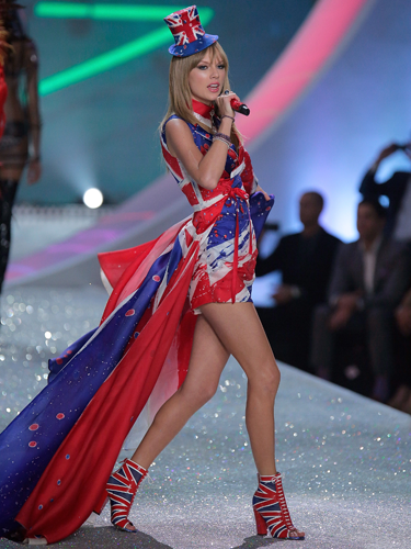 "<p>Taylor Swift reworks Geri Halliwell's Union Jack dress for 2013, complete with matching shoe boots and a tiny little top hat, worn at a jaunty angle.</p> <p><a href=""http://www.cosmopolitan.co.uk/fashion/celebrity/best-dressed-victorias-secret-fashion-show"" target=""_blank"">Best dressed at the Victoria's Secret Fashion Show </a></p> <p><a href=""http://www.cosmopolitan.co.uk/fashion/news/cara-delevingne-victorias-secret-show-model"" target=""_blank"">Cara Delevingne: From gurner to sexy Victoria's Secret model </a></p> <p><a href=""http://www.cosmopolitan.co.uk/fashion/news/"" target=""_blank"">See the latest fashion and style news</a></p>"