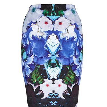 """<p>A printed pencil skirt looks great with a plain cami and heels - we can just imagine Kimmy sashaying round L.A. in this one!</p><p>Pencil skirt, £38,<a href=""""http://www.lipsy.co.uk/"""" target=""""_blank""""> lipsy.co.uk</a></p><p><a href=""""http://www.lipsy.co.uk/"""" target=""""_blank"""">10 DREAMY PARTY DRESSES</a></p><p><a href=""""http://www.cosmopolitan.co.uk/fashion/love/love-it-or-loathe-it-rihanna-neon-pink-bomber-jacket"""" target=""""_blank"""">LOVE IT OR LOATHE IT: RIHANNA</a></p><p><a href=""""http://www.cosmopolitan.co.uk/fashion/shopping/top-ten-fashion-buys"""" target=""""_blank"""">2013: WHAT WERE FASHION'S MOST WANTED? </a></p>"""