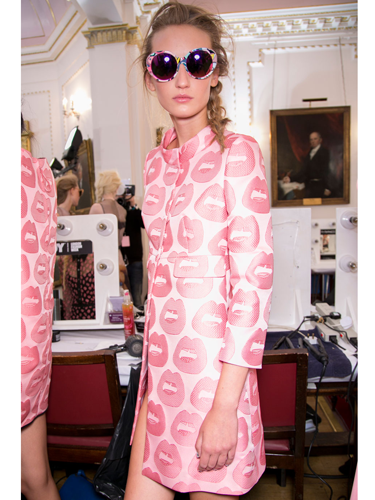 """<p>Hold onto your pink pieces! The colour remains on the fashion agenda for SS14, although AW13's pale blush tones and candy floss hues have taken on a brighter, more intense rosy tint.</p> <p><em><< As seen at: <strong>Giles</strong></em></p> <p><a href=""""http://www.cosmopolitan.co.uk/beauty-hair/news/trends/spring-summer-2014-beauty-trends"""" target=""""_blank"""">Cosmo's spring 2014 beauty trend report</a></p> <p><a href=""""http://www.cosmopolitan.co.uk/fashion/shopping/best-bags-summer-fashion-2014"""" target=""""_blank"""">10 best bags from London Fashion Week spring 2014</a></p> <p><a href=""""http://www.cosmopolitan.co.uk/fashion/news/"""" target=""""_blank"""">Get the latest fashion and style news</a></p>"""