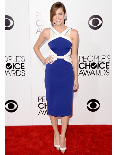"<p>Girls star Allison Williams looked uhh-mazing at the 2014 People's Choice Awards in a structured David Koma dress and pointy pumps. Super sophis.</p> <p><a href=""http://www.cosmopolitan.co.uk/fashion/shopping/celebrity-warm-winter-style"" target=""_blank"">HOW CELEBS DRESS FOR WINTER</a></p> <p><a href=""http://www.cosmopolitan.co.uk/fashion/shopping/spring-fashion-trends-2014"" target=""_blank"">7 BIG FASHION TRENDS FOR SPRING 2014</a></p> <p><a href=""http://www.cosmopolitan.co.uk/fashion/shopping/"" target=""_blank"">FASHION TRENDS: WHAT TO WEAR RIGHT NOW!</a></p>"