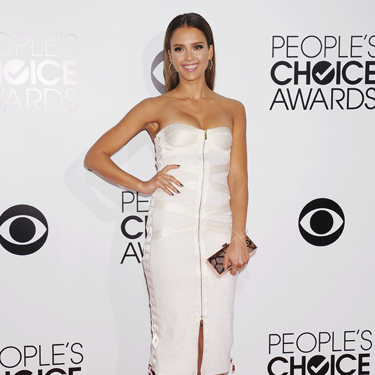 """<p>Jessica Alba looked a bit of all-white in her strapless Jason Wu corset dress at the 2014 People's Choice Awards, complete with sexy full-frontal zip. Swit to the swoo!</p><p><a href=""""http://www.cosmopolitan.co.uk/fashion/shopping/celebrity-warm-winter-style"""" target=""""_blank"""">HOW CELEBS DRESS FOR WINTER</a></p><p><a href=""""http://www.cosmopolitan.co.uk/fashion/shopping/spring-fashion-trends-2014"""" target=""""_blank"""">7 BIG FASHION TRENDS FOR SPRING 2014</a></p><p><a href=""""http://www.cosmopolitan.co.uk/fashion/shopping/"""" target=""""_blank"""">FASHION TRENDS: WHAT TO WEAR RIGHT NOW!</a></p>"""