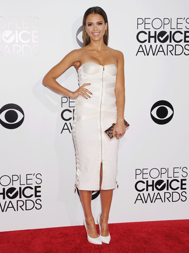 "<p>Jessica Alba looked a bit of all-white in her strapless Jason Wu corset dress at the 2014 People's Choice Awards, complete with sexy full-frontal zip. Swit to the swoo!</p> <p><a href=""http://www.cosmopolitan.co.uk/fashion/shopping/celebrity-warm-winter-style"" target=""_blank"">HOW CELEBS DRESS FOR WINTER</a></p> <p><a href=""http://www.cosmopolitan.co.uk/fashion/shopping/spring-fashion-trends-2014"" target=""_blank"">7 BIG FASHION TRENDS FOR SPRING 2014</a></p> <p><a href=""http://www.cosmopolitan.co.uk/fashion/shopping/"" target=""_blank"">FASHION TRENDS: WHAT TO WEAR RIGHT NOW!</a></p>"