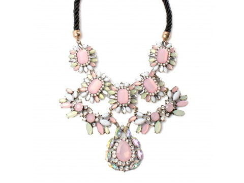 "<p>HOW pretty will this sweet statment necklae look layer over a collar shirt? Answer: VERY. Buy it immediately.</p> <p>Pink statement necklace, £20.99, <a href=""http://www.accessoryo.com/womens/jewellery/necklaces/luxury-pink-gem-tear-drop-necklace"" target=""_blank"">accessoryo.com</a></p> <p><a href=""http://www.cosmopolitan.co.uk/fashion/shopping/spring-fashion-trends-2014?page=1"" target=""_blank"">7 BIG spring fashion trends for 2014</a></p> <p><a href=""http://www.cosmopolitan.co.uk/fashion/news/kelly-kapowski-90s-fashion"" target=""_blank"">Spring fashion inspiration from Kelly Kapowski</a></p> <p><a href=""http://www.cosmopolitan.co.uk/fashion/news/"" target=""_blank"">Get the latest fashion news</a></p> <div style=""overflow: hidden; color: #000000; background-color: #ffffff; text-align: left; text-decoration: none;""> </div>"