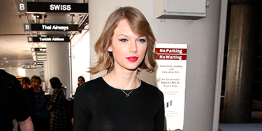 """<p>Taylor Swift CARRIED HER OWN GUITAR through the airport after flying back from her London shows, and gave us another gawp of her new bob.</p> <p><a href=""""http://www.cosmopolitan.co.uk/celebs/entertainment/jennifer-lawrence-figure-skater-sochi-2014"""" target=""""_blank"""">WHAT IF JENNIFER LAWRENCE WAS AN OLYMPIC FIGURE SKATER?</a></p> <p><a href=""""http://www.cosmopolitan.co.uk/fashion/love/tilda-swinton-sliders-Berlin-Grand-Budapest-Hotel"""" target=""""_blank"""">HAVE YOUR SAY ON THIS WEEK'S CELEBRITY FASHION</a></p> <p><a href=""""http://www.cosmopolitan.co.uk/beauty-hair/news/styles/celebrity/cosmo-hairstyle-of-the-day"""" target=""""_blank"""">CHECK OUT COSMO'S CELEBRITY HAIRSTYLE OF THE DAY</a></p>"""