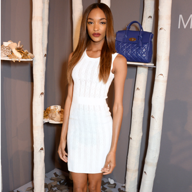 <p>Looking wow-worthy in tip-to-toe white.</p>