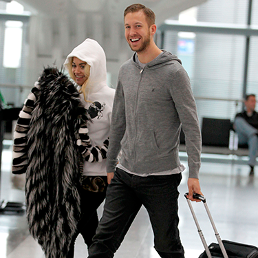 <p>Why on earth would you book a flight the morning after the BRITs? Hectic schleb schedule, we suppose. No wonder lovebirds Calvin and Rita decided to wear their comfiest clothes at Heathrow.</p>
