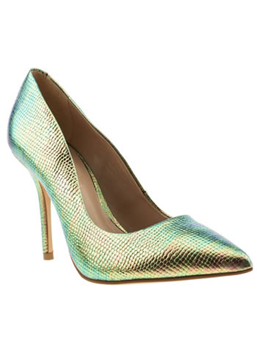 "<p>""These shiny shoesies are sooo pretty - and on point (literally) for spring's metallics trend, too!"" - Natalie Wall, Online Fashion Editor</p> <p>Metallic mock snakeskin courts, £65, <a href=""http://www.schuh.co.uk/womens-multi-schuh-carnival/1144109920/"" target=""_blank"">schuh.co.uk</a></p> <p><a href=""http://www.cosmopolitan.co.uk/fashion/shopping/handbags-spring-fashion-high-street"" target=""_blank"">NEW SEASON ARM CANDY: 12 HOT HANDBAGS</a></p> <p><a href=""http://www.cosmopolitan.co.uk/fashion/shopping/spring-fashion-trends-2014?page=1"" target=""_blank"">7 BIG FASHION TRENDS FOR SPRING 2014</a></p> <p><a href=""http://www.cosmopolitan.co.uk/archive/fashion/shopping/new-in-store/0/8"" target=""_blank"">SHOP NEW IN STORE NOW</a></p>"