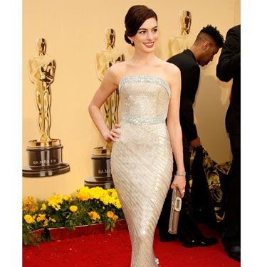 """<p>Anne looked picture perfect wearing a glimmering Armani Privé gown, covered in shimmering paillettes. Serious old school glamour, right here.</p><p><a href=""""http://www.cosmopolitan.co.uk/celebs/entertainment/ten-best-ever-oscar-moments"""" target=""""_blank"""">10 GREATEST EVER OSCARS MOMENTS</a></p><p><a href=""""http://www.cosmopolitan.co.uk/fashion/news/every-best-actress-dress-infographic"""" target=""""_blank"""">EVERY BEST ACTRESS DRESS SINCE 1929</a></p><p><a href=""""http://www.cosmopolitan.co.uk/beauty-hair/news/trends/celebrity-beauty/best-oscars-hair-makeup-beauty-ever"""" target=""""_blank"""">THE 13 BEST BEAUTY LOOKS FROM THE OSCARS ARCHIVE</a></p>"""