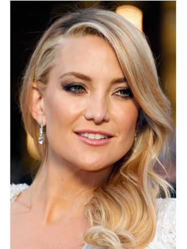 "<p>Shimmering, etheral and feather-light, Kate's makeup was bordering on ANGELIC.<strong><br /></strong></p> <p><strong>MORE OSCARS STUFF YOU NEED IN YOUR LIFE:</strong></p> <p><a href=""http://www.cosmopolitan.co.uk/celebs/entertainment/ten-best-ever-oscar-moments"" target=""_blank"">THE 10 BEST EVER OSCARS MOMENTS</a></p> <p><a href=""http://www.cosmopolitan.co.uk/celebs/entertainment/oscar-nominations-2014-announced"" target=""_blank"">ALL THE NOMINEES FOR THE OSCARS 2014</a></p> <p><a href=""http://www.cosmopolitan.co.uk/fashion/news/every-best-actress-dress-infographic"" target=""_blank"">EVERY BEST ACTRESS WINNER'S OSCARS DRESS SINCE 1929</a></p>"