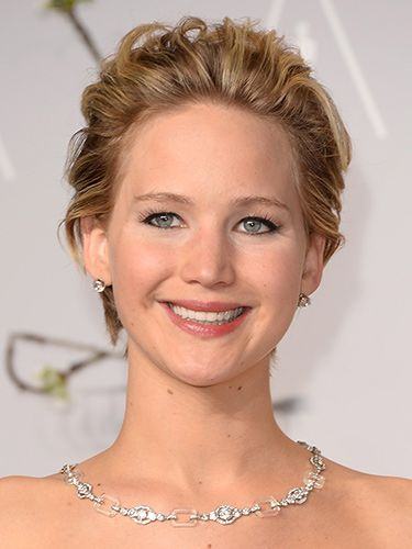 "<p>J-Law's brushed back pixie crop looked seriously sassy. We're sure the 'combed through with fingers' look took a lot of actual skill. Nice eyeliner too. </p> <p><strong>MORE OSCARS STUFF YOU NEED IN YOUR LIFE:</strong></p> <p><a href=""http://www.cosmopolitan.co.uk/celebs/entertainment/ten-best-ever-oscar-moments"" target=""_blank"">THE 10 BEST EVER OSCARS MOMENTS</a></p> <p><a href=""http://www.cosmopolitan.co.uk/celebs/entertainment/oscar-nominations-2014-announced"" target=""_blank"">ALL THE NOMINEES FOR THE OSCARS 2014</a></p> <p><a href=""http://www.cosmopolitan.co.uk/fashion/news/every-best-actress-dress-infographic"" target=""_blank"">EVERY BEST ACTRESS WINNER'S OSCARS DRESS SINCE 1929</a></p> <p><span><br /></span></p>"