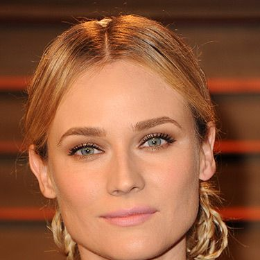 """<p>As usual, Diane totally wowed with her hair, working this intricate braided 'do. She went 60s with her makeup&#x3B; the pinky-nude lip oozed subtle glamour.</p><p><strong>MORE OSCARS BEAUTY YOU NEED IN YOUR LIFE:</strong></p><p><a href=""""http://www.cosmopolitan.co.uk/beauty-hair/news/trends/celebrity-beauty/oscars-2014-best-celebrity-beauty"""" target=""""_self"""">10 AMAZING OSCARS 2014 HAIRSTYLES</a></p><p><a href=""""http://www.cosmopolitan.co.uk/beauty-hair/news/beauty-news/margot-robbie-brown-brunette-hair"""" target=""""_self"""">MARGOT ROBBIE GOES BRUNETTE FOR THE OSCARS</a></p><p><a href=""""http://www.cosmopolitan.co.uk/beauty-hair/news/styles/celebrity/lupita-nyong-o-oscars-2014-hairstyles"""" target=""""_self"""">A CLOSE-UP LOOK AT LUPITA NYONG'O'S OSCARS HAIR</a></p>"""