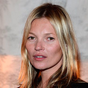 <p>Celebrities often post pictures of themselves online with bare faces, but it's rare for them to attend events makeup free. Kate Moss changed this by attending Carine Roitfeld's Cocktail Party in honour of CR Fashion Book Issue 2 minus any at all. The model has an enviable natural glow – perhaps it's the Parisian air giving her that twinkle behind the eyes. <br /> </p>