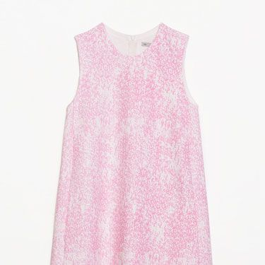 """<p>We want to wear this dress with white oversized shades and clunky white shoes for 60s-meets-90s vibes this spring.</p><p>Printed shift dress, £45.99, <a href=""""http://www.zara.com/uk/en/new-this-week/woman/printed-shift-dress-c363008p1837014.html"""" target=""""_blank"""">zara.com</a></p><p><a href=""""http://www.cosmopolitan.co.uk/fashion/shopping/spring-shoes-fashion-high-street"""" target=""""_blank"""">STEP INTO NEW SEASON: 10 PAIRS OF SPRING-LIKE SHOES</a></p><p><a href=""""http://www.cosmopolitan.co.uk/fashion/shopping/handbags-spring-fashion-high-street"""" target=""""_blank"""">NEW SEASON ARM CANDY: 12 HOT HANDBAGS</a></p><p><a href=""""http://www.cosmopolitan.co.uk/fashion/shopping/spring-fashion-trends-2014?page=1"""" target=""""_blank"""">7 BIG FASHION TRENDS FOR SPRING 2014</a></p>"""