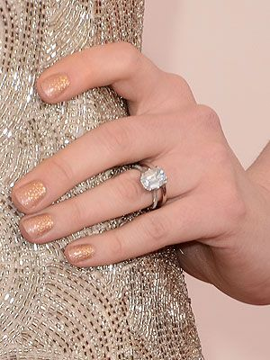 P Anne Hathaway Made Sure There Was Plenty Of Sparkle On Display When She