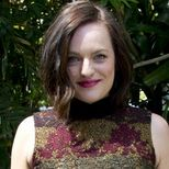 """<p>Elisabeth Moss, meanwhile, channelled her onscreen alter-ego, Peggy, in a midi-length printed dress, which she freshened up with this season's most-wanted 'do (the wavy, grown out bob).</p><p><strong>MAD ABOUT THE MAD MEN GIRLS...</strong></p><p><a href=""""http://www.cosmopolitan.co.uk/beauty-hair/news/trends/celebrity-beauty/mad-men-season-7-premiere-beauty-hairstyles?click=main_sr"""" target=""""_blank"""">BEST IN BEAUTY AT MAD MEN SEASON SEVEN PREMIERE</a></p><p><a href=""""http://www.cosmopolitan.co.uk/fashion/news/banana-republic-mad-men-inspired-spring-collection-is-here?click=main_sr"""" target=""""_blank"""">BANANA REPUBLIC'S MAD MEN-INSPIRED COLLECTION</a></p><p><a href=""""http://www.cosmopolitan.co.uk/fashion/news/topshop-dress-beyonce-january-jones?click=main_sr"""" target=""""_blank"""">JANUARY JONES HEARTS TOPSHOP (AND SHE'S NOT THE ONLY A-LISTER)</a></p>"""