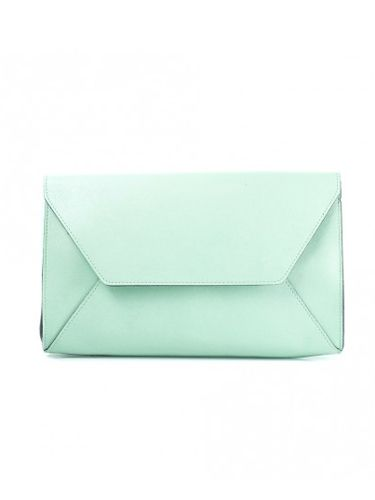 """<p>Look spring fresh with this envelope-style clutch in mint green. A detachable strap transforms it into a crossover bag for daytime ease.</p> <p>Mint envelope clutch, £22.50, <a href=""""http://www.accessoryo.com/mint-envelope-style-clutch-bag"""" target=""""_blank"""">accessoryo.com</a></p> <p><a href=""""http://www.cosmopolitan.co.uk/fashion/shopping/how-to-style-the-midi-skirt-trend-top-tips"""" target=""""_blank"""">10 WAYS TO STYLE THE MIDI SKIRT</a></p> <p><a href=""""http://www.cosmopolitan.co.uk/fashion/shopping/Kate-Moss-Topshop-collection-spring-summer-2014-best-pieces"""" target=""""_blank"""">KATE MOSS FOR TOPSHOP: THE EDIT</a></p> <p><a href=""""http://www.cosmopolitan.co.uk/fashion/shopping/how-to-wear-boyfriend-jeans"""" target=""""_blank"""">BOYFRIEND JEANS: THE NEED-TO-KNOW</a></p>"""