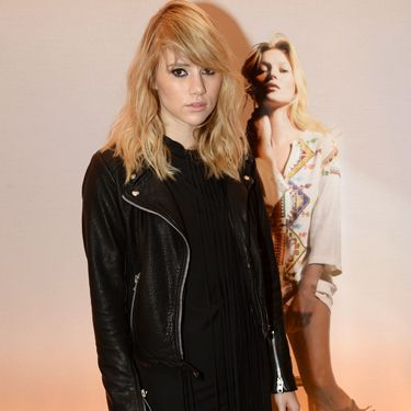 """Suki Waterhouse teams a fringed Kate Moss for Topshop dress with a classic leather biker jacket.<p><a href=""""http://www.cosmopolitan.co.uk/fashion/shopping/Kate-Moss-Topshop-collection-spring-summer-2014-best-pieces"""" target=""""_blank"""">KATE MOSS FOR TOPSHOP: WHAT WE'LL BE BUYING</a></p><p><a href=""""http://www.cosmopolitan.co.uk/fashion/news/Cara-Delevingne-stars-in-Kate-Moss-for-Topshop-film"""" target=""""_blank"""">CARA SHOWS MOSSY SOME LOVE IN FASHION FILM</a></p><p><a href=""""http://www.cosmopolitan.co.uk/fashion/shopping/What-to-pack-for-the-festivals-glastonbury-primavera"""" target=""""_blank"""">WHAT TO PACK FOR THE FESTIVALS</a></p>"""