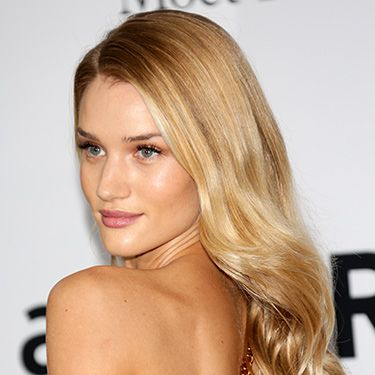"""<p>At the annual amfAR's Cinema Against AIDS Gala, Rosie H-W nailed sunny, golden goddess beauty. Her glossy blonde waves mirrored her gleaming complexion a treat. Pure gold.</p><p><a href=""""http://www.cosmopolitan.co.uk/beauty-hair/news/styles/celebrity/cannes-choppard-party-wedding-hair-ideas"""" target=""""_blank"""">INSANELY GOOD WEDDING HAIR INSPO AT CANNES</a></p><p><a href=""""http://www.cosmopolitan.co.uk/beauty-hair/news/trends/celebrity-beauty/millie-mackintosh-tv-baftas-hair-makeup"""" target=""""_self"""">THE HOTTEST HAIRSTYLES AT THE BAFTAS</a></p><p><a href=""""http://www.cosmopolitan.co.uk/beauty-hair/news/styles/celebrity/ellie-goulding-hair-cut-long-bob"""" target=""""_blank"""">ELLIE GOULDING'S COOL NEW LONG BOB</a></p>"""