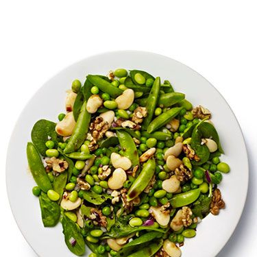 <p><strong>BASE:</strong> Spinach<br /><br /><strong>CARB</strong>: Butter beans<br /><br /><strong>VEG/FRUIT:</strong> Mangetout, red onion, fresh peas<br /><br /><strong>PROTEIN:</strong> Edamame<br /><br /><strong>DRESSING:</strong> Soy<br /><br /><strong>EXTRAS:</strong> Toasted walnuts</p>