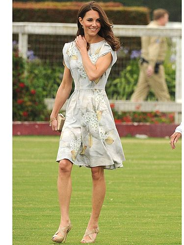 The Duke and Duchess of Cambridge attended a polo match in California where back in July, the Duke's team won the Foundation Trophy just so you know. Kate Middleton looked super pretty in her Jenny Packham grey floral patterned silk dress and nude strappy shoes