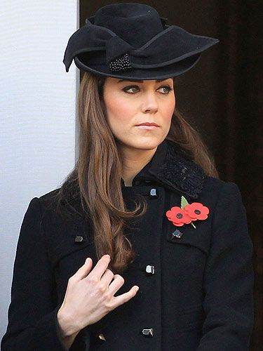 All eyes were on the Duchess of Cambridge as she arrived to pay her respects on Remembrance Sunday, she wore an all-black ensemble and a double poppy at her button hole to show her respect for those who have fought and died for Britain.  The poignant service was held at The Cenotaph in London