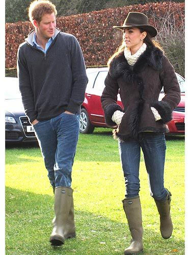 Ooh, we love Kate's off-duty style just as much as her on-duty one. Here she is on Christmas Eve wearing a jacket from LK Bennett, a white Temperley jumper and a pair of wellies. Oh and she added a gorgeous hat - loving the headgear