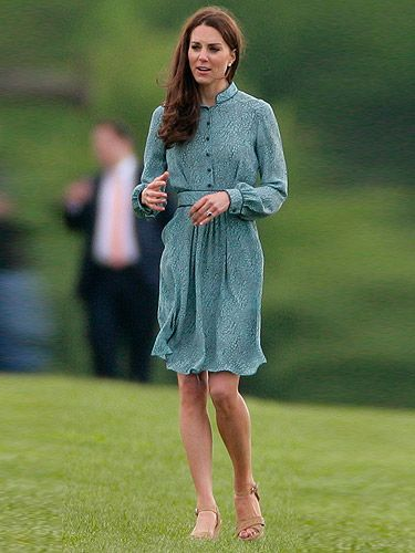 Whilst Princes William and Harry played a charity polo match, Kate Middleton won the style stakes with yet another elegant ensemble. Wearing a printed sea-green 'Rebecca' dress by Libélula and sky-high nude wedges by Stuart Weitzman with her trademark tumbling tresses, we think this is one fashion match Kate totally won, regardless of the windy weather. Tally-ho!