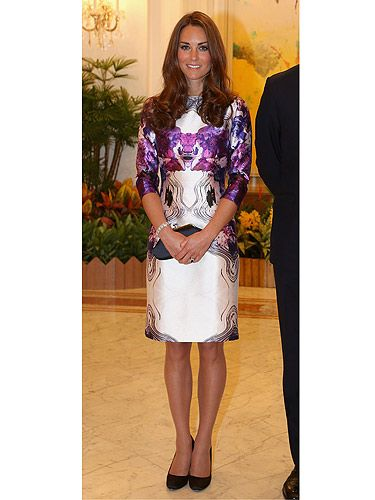 "<p>We're loving Kate Middleton's style as she tours Singapore for the Diamond Jubilee. Here she wears a gorge Prabal Gurung frock that was full of colour and print. Looking elegant as usual, we can feel this Singapore tour turning into quite the fashion parade…<br /><br /><a title=""http://cosmopolitan.co.uk/fashion/get-the-celebrity-look-for-less?click=main_sr"" href=""http://cosmopolitan.co.uk/fashion/get-the-celebrity-look-for-less?click=main_sr"" target=""_blank"">GET THIS LOOK FOR LESS</a></p>"