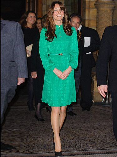 <p>Kate Middleton made us all green with envy last night as she opened the Natural History Museum in London. Wearing one of her old favourite Mulberry dresses (well it is gorgeous!) Kate looked both elegant and classic. Paired with her black stilettos and a fabulous new hair do, KMiddy looked ready to rock!</p>