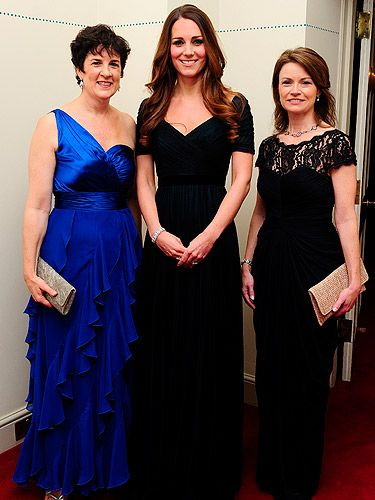 <p>There aren't many ladies who look this good after having a baby. In fact, there aren't that many ladies who look this good full stop. Kate Middleton wore a beautiful floor length gown by one of her favourite designers, Jenny Packham, as she attended a charity dinner for 100 Women in Hedge Funds, after the Royal christening the day before yesterday. Her hair looked fabulous (go figure) as she wore it down with loose curls.</p>