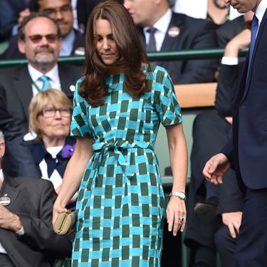 <p>It wouldn't be Wimbledon without Kate Middleton totally distracting us with her style. This time it's her green, patterned Jonathan Saunders dress that has caught our eye.</p>
