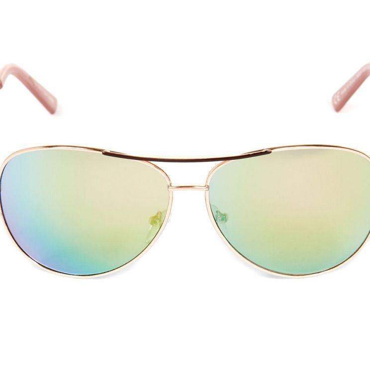 "<p><a href=""http://www.newlook.com/shop/womens/accessories/pink-mirror-lens-pilot-sunglasses-_300772070"" target=""_blank"">Pink mirrored lens pilot sunglasses, £4.99, New Look</a></p>"