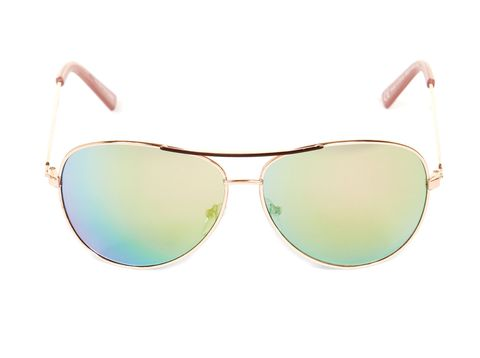 "<p><a href=""http://www.newlook.com/shop/womens/accessories/pink-mirror-lens-pilot-sunglasses-_300772070"" target=""_blank"">Pink mirrored lens pilot sunglasses, £4.99, New Look</a></p>"
