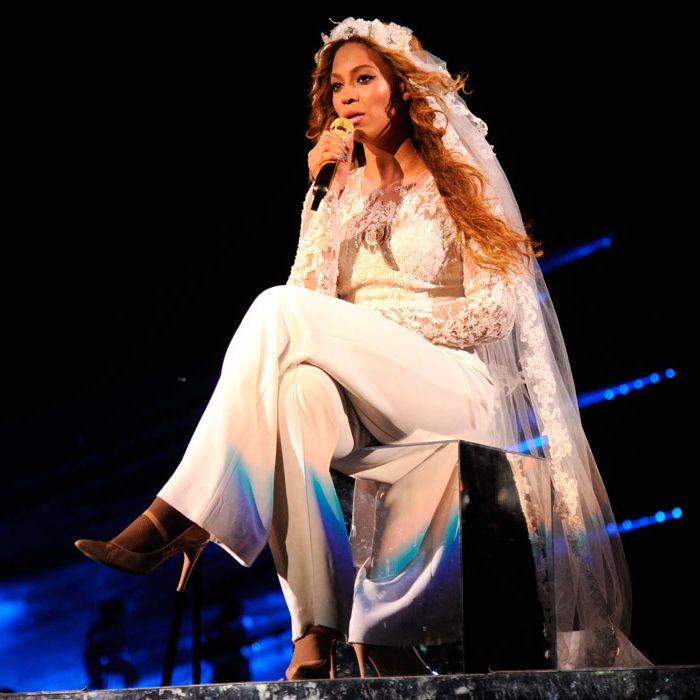 <p>Beyoncé customised her Elie Saab white jumpsuit recently by adding a delicate, floor-length veil. We wonder what she's trying to tell us?</p>
