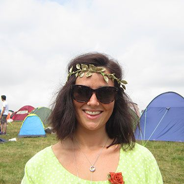 """<p><strong>Gemma, 27, London</strong></p><p>Gemma channels Cleopatra or any of the Greek goddesses with her gold leaf headband. A headband is always a great way to disguise festival hair after a few days of no washing, too.</p><p><a href=""""http://www.cosmopolitan.co.uk/beauty-hair/news/trends/celebrity-beauty/festivals-2014-makeup-hair-celebrity-inspiration"""" target=""""_blank"""">CELEB FESTIVAL BEAUTY INSPIRATION</a></p><p><a href=""""http://www.cosmopolitan.co.uk/beauty-hair/beauty-tips/hair-how-to-quiff-with-bun"""" target=""""_blank"""">HAIR HOW TO: THE QUICK QUIFF BUN</a></p><p><a href=""""http://www.cosmopolitan.co.uk/beauty-hair/beauty-tips/hair-how-to-quiff-with-bun"""" target=""""_blank"""">IS HAND ART THE NEW NAIL ART?</a></p><p><em><span class=""""s1"""">Peugeot celebrated the launch of the </span>New Peugeot 108 this weekend at Latitude</em></p>"""