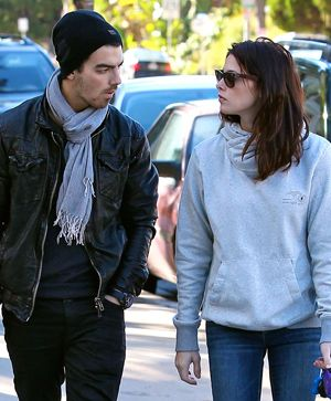 Joe Jonas And Ashley Greene Are Still Friends