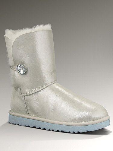 UGG unveils bridal boots for wedding wear 0149a36b6