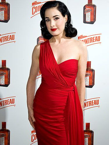 c1eb909ef It s no secret that Dita Von Teese is a Global Brand Ambassador for  Cointreau