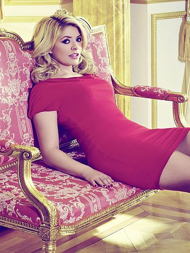 Holly Willoughby unveils a glam 10th fashion collection ...