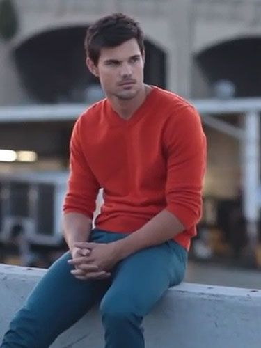 Taylor Lautner Goes Up Against Robert Pattinson In His Very Own
