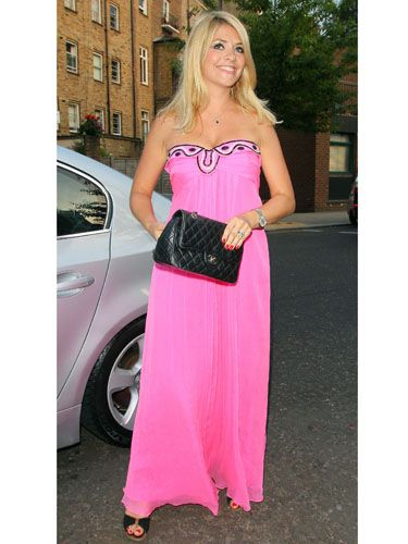 60453206bd2 A sun-kissed Holly Willoughby arrived at the ITV summer party last night  wearing a flowing