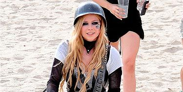 Avril Lavigne Gets Feisty On The Set Of Her New Music Video