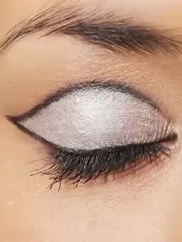 How To 60s Eye Makeup Rimmel