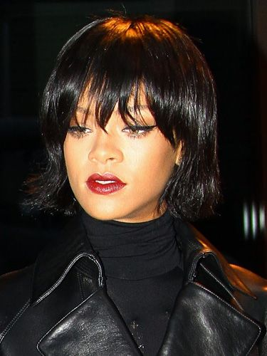 Rihanna\'s new bob haircut and fringe :: November 2013 hairstyle