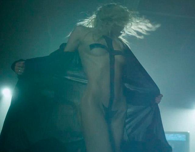Taylor Momsen  nackt